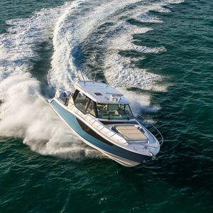 cabinato fuoribordo / quadrimotore / hard-top / da pesca sportiva