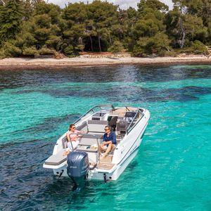 cabin-cruiser fuoribordo / open / da crociera / da sci nautico