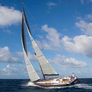 sailing-yacht da crociera d'altura / con poppa aperta / con 3 cabine / a doppio timone
