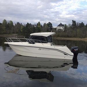 cabin-cruiser fuoribordo / hard-top / da pesca / max. 7 persone