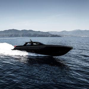 motor-yacht da crociera / hard-top / IPS / con scafo planante