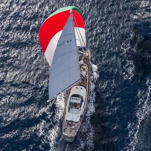 sailing-superyacht di lusso da crociera
