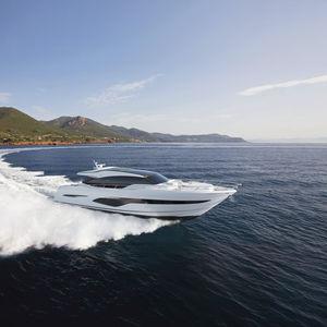 motor-yacht da crociera