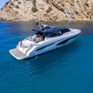 motor-yacht da crociera / hard-top / con cockpit chiuso / con 4 cabine
