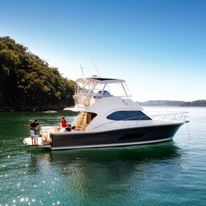motor-yacht da crociera / offshore / da pesca sportiva / con fly