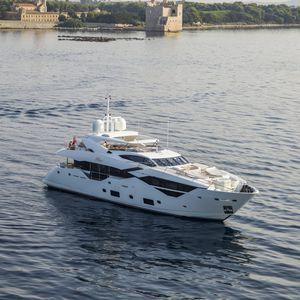 super-yacht sportivo