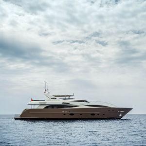 super-yacht da crociera / con fly / con scafo dislocante
