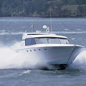motor-yacht da crociera / sportivo / hard-top / GRP