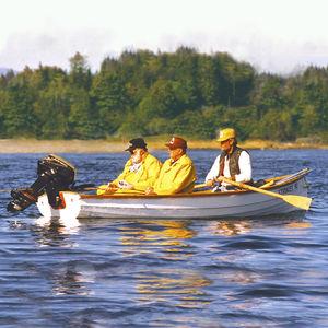 canotto a remi da pesca