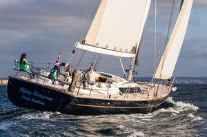 sailing-yacht da regata e crociera / con poppa aperta / con 5 cabine / con doppio timone a ruota