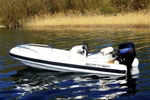 gommone fuoribordo / semirigido / con console laterale / tender per super-yacht