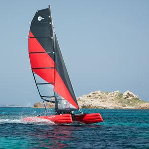 catamarano sportivo gonfiabile