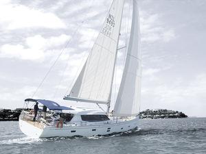 sailing-yacht da crociera / con deck saloon / con 3 o 4 cabine / con bompresso