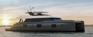 motor-yacht catamarano a motore / da crociera / con fly / in composito