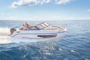 cabin-cruiser fuoribordo / open