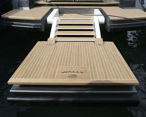piattaforma per yacht / per barca / multifunzione / da bagno