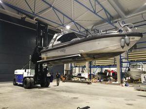 carrello elevatore per cantiere navale