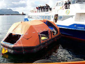scivolo di evacuazione per navi