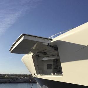 portellone laterale per nave / per yacht