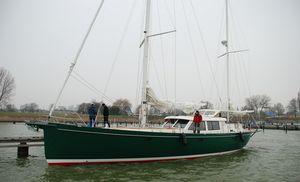sailing-yacht da crociera / con pozzetto centrale / in alluminio / con 3 cabine