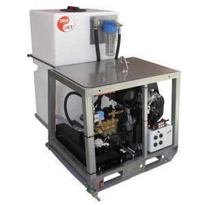 pulitore ad alta pressione per cantiere navale / montato su chassis / con motore a benzina