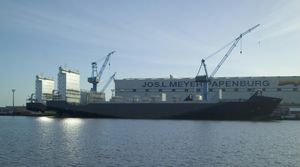 nave cargo portacontainer / ice-class