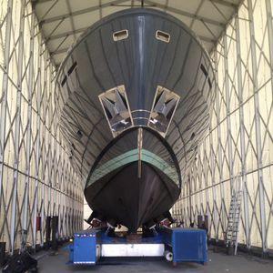 capannone per manutenzione per di imbarcazioni