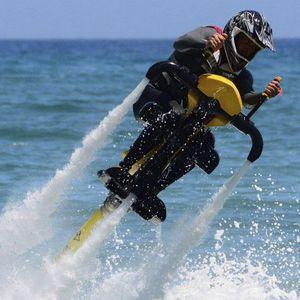 moto a reazione con propulsion ad acqua