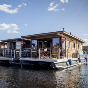 barca a motore house-boat a GPL