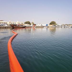 barriera contro l'inquinamento da idrocarburi