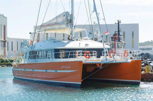 traghetto passeggeri per escursioni turistiche