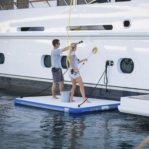 piattaforma per yacht