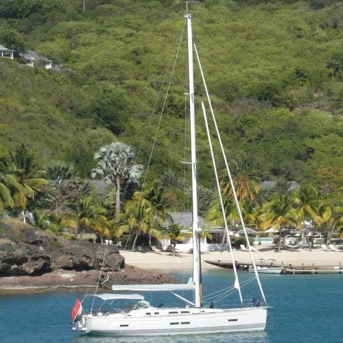sailing-yacht da crociera / con 3 cabine / con doppio timone a ruota / su misura