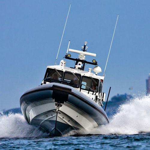 gommone a idrogetto / semirigido / con cockpit chiuso / tender per super-yacht