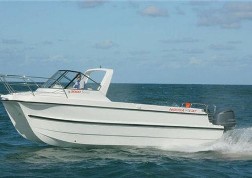 cabin-cruiser catamarano