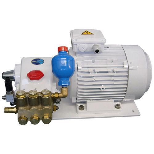 dissalatore per barca / a osmosi inversa / 230 V / compatto