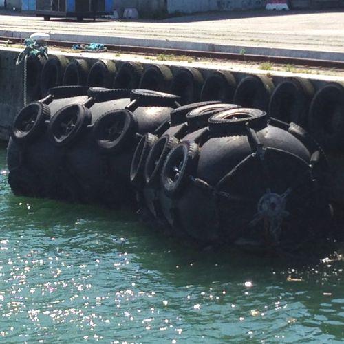 parabordo di nave / portuale / per banchina / pneumatico