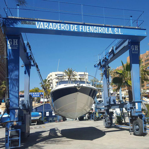gru per yacht / portuale / per marina / gommata