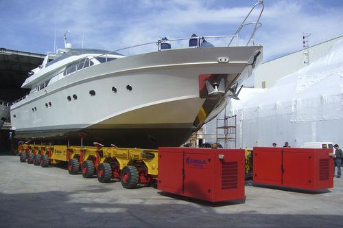 rimorchio di movimentazione pesante / per cantiere navale / controllato a distanza / semovente