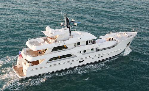 super-yacht da crociera / explorer / con cabina di pilotaggio / in acciaio