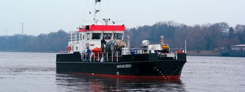 barca professionale nave antinquinamento