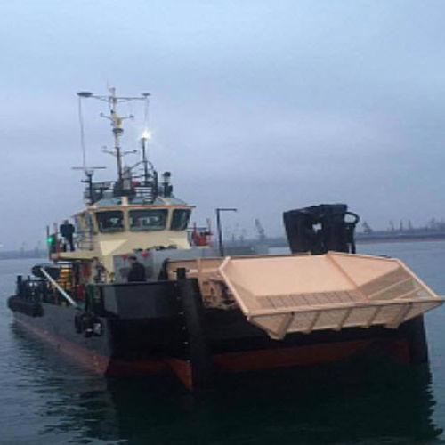 barca professionale barca per il recupero di idrocarburi