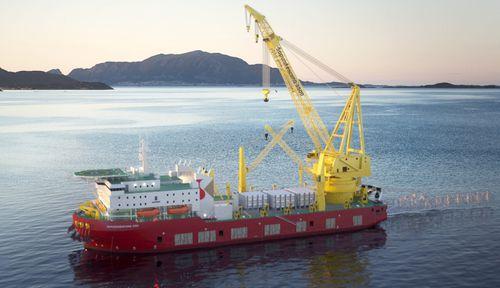 nave di supporto offshore per trasporto di carichi speciali