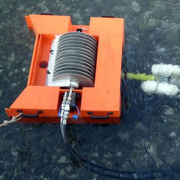skimmer per idrocarburi a stramazzo / a spazzzola / a disco / per nave