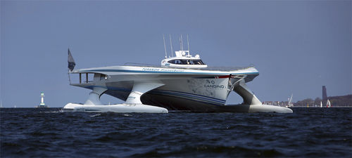 super-yacht di lusso catamarano a motore