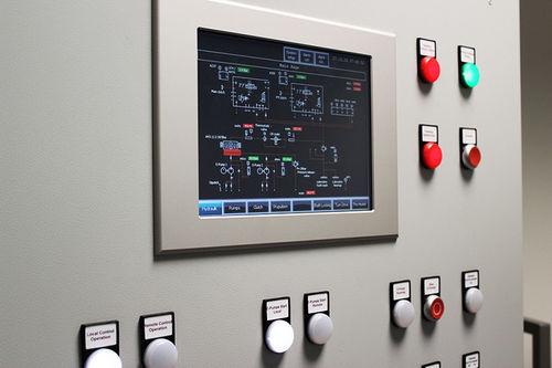 pannello di comando e controllo per nave