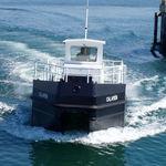 barca per il recupero di idrocarburi / entrobordo