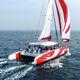 sailing-yacht catamarano / da charter / con poppa aperta / con deck saloon
