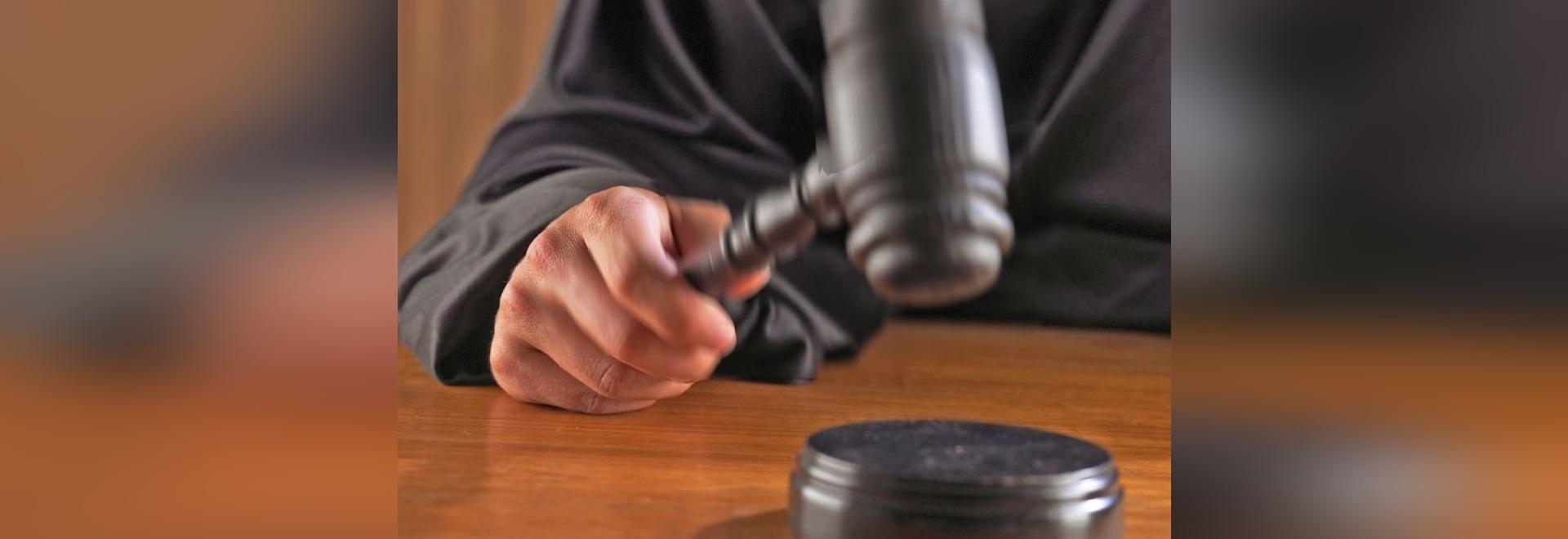 L'assistente tecnico civile del blu marino supplica colpevole a spionaggio tentato
