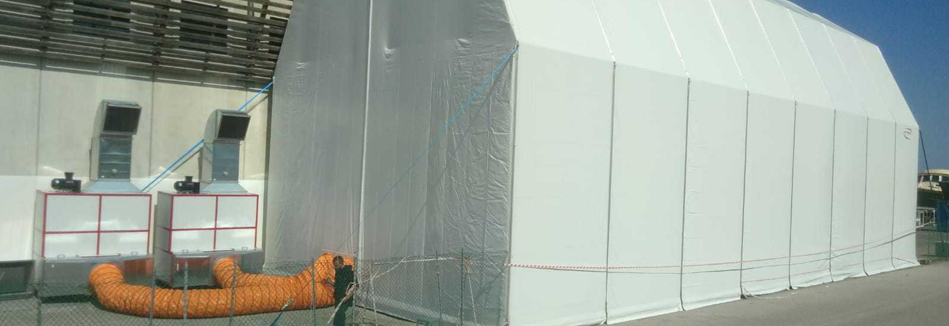 Cabina di verniciatura dello yacht